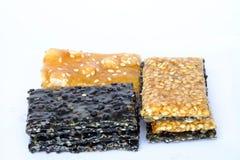 Biscotti isolati del sesamo, biscotti del dado Fotografia Stock Libera da Diritti