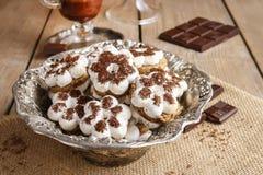 Biscotti minuscoli nella forma del fiore Fotografia Stock Libera da Diritti