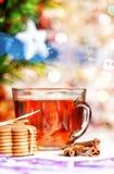 Biscotti, spezie e tè di Natale Fotografie Stock Libere da Diritti