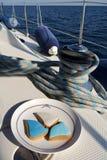 Biscotti su un yacht Immagini Stock