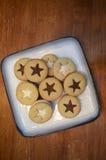 Biscotti su una zolla Immagini Stock