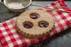Biscotti tradizionali di Linzer immagine stock libera da diritti