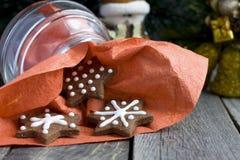 Biscotto del cioccolato di natale di figura della stella Immagini Stock