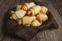 Biscotto di biscotto al burro con inceppamento Fotografia Stock