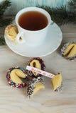 Biscotto di fortuna decorato con cioccolato Immagini Stock