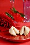 Biscotto di fortuna del biglietto di S. Valentino Fotografia Stock