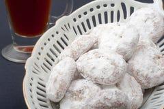 Biscotto di nozze del dolce del tè in cassetto dell'argento sterlina Fotografia Stock