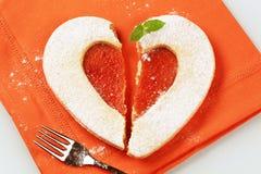 Biscotto di shortbread a forma di del cuore immagini stock libere da diritti