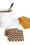 Biscuit avec la cuvette de thé Photo stock