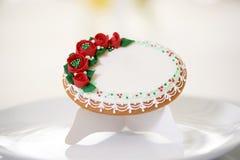 Biscuit délicieux couvert de lustre doux blanc Image libre de droits