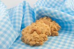 Biscuit d'amande sur la serviette Photographie stock