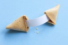 Biscuit de fortune avec le message blanc Photo libre de droits