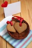 Biscuit deux en forme de coeur pour le jour de valentines Photo libre de droits