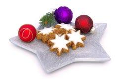 Biscuit en forme d'étoile de cannelle Photographie stock