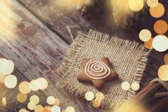 Biscuit en forme d'étoile de pain d'épice Photos stock