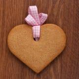 Biscuit en forme de coeur Photographie stock libre de droits