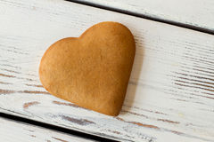 Biscuit en forme de coeur de Brown Photo stock