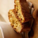 Biscuit et café d'amande image libre de droits