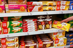 Biscuit packings in a supermarket Royalty Free Stock Photos
