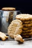 Biscuit sablé avec le beurre d'arachide image libre de droits