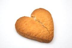 Biscuit sous forme de coeurs brisés - symbole de l'amour Image libre de droits