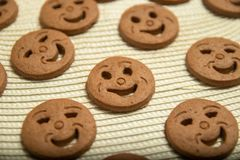 Biscuits arrondis sous forme de smiley images libres de droits