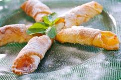 Biscuits avec de la garniture d'aux pommes Images libres de droits