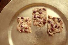 Biscuits avec des arachides images stock