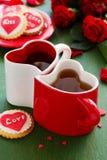 biscuits avec des coeurs et roses pour la Saint-Valentin Photo libre de droits