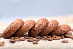 Biscuits avec des grains de café Photo stock