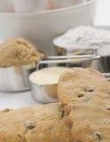 Biscuits avec des ingrédients Photographie stock