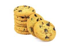 Biscuits avec des morceaux de revêtement de chocolat image libre de droits