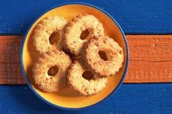 Biscuits avec des noix image libre de droits