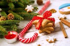 Biscuits avec l'arbre de sucrerie et de Noël Photo stock