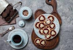 biscuits avec la gelée et le lustre image stock