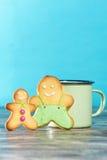 Biscuits avec le fond bleu photo libre de droits
