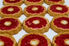 Biscuits avec le plan rapproché de confiture Photographie stock libre de droits
