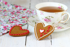 Biscuits colorés de coeur Photographie stock libre de droits