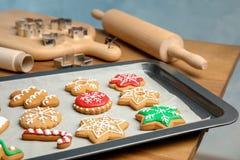 Biscuits colorés savoureux de Noël Photo stock