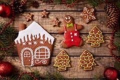 Biscuits composition, homme de pain d'épice de Noël Photos stock