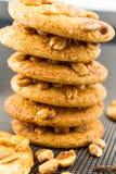 Biscuits cuits au four de beurre d'arachide Images stock