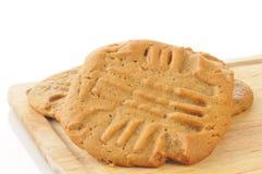 Biscuits cuits au four frais de beurre d'arachide Images libres de droits