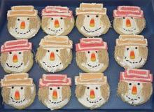 Biscuits décorés d'épouvantail photographie stock libre de droits