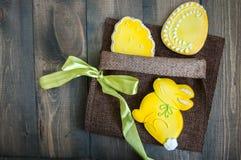 Biscuits décorés d'oeuf de pâques Image stock