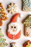 Biscuits décoratifs de Noël Photographie stock libre de droits