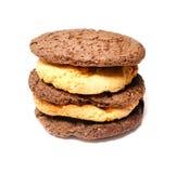Biscuits délicieux sur un fond blanc Photographie stock