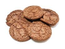 Biscuits délicieux sur un fond blanc Images stock
