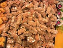 Biscuits d'amande avec du chocolat image stock