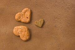 Biscuits d'amour de chiot Images libres de droits