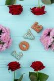 Biscuits d'amour de jour de valentines, vue supérieure Photo stock